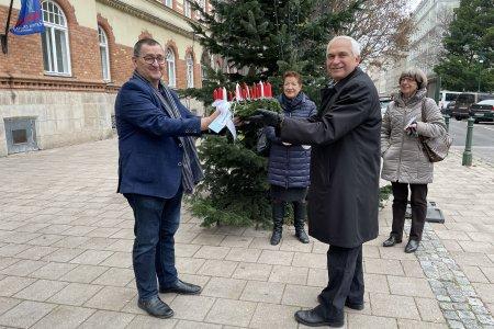 Adventkranz für Bezirksvorsteher Hannes Derfler, Brigittenau