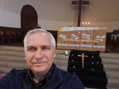 Pfr. Hannes Pitters mit seinem Osterzyklus